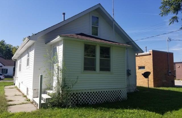 109 East Phillip Avenue - 109 East Phillip Avenue, Norfolk, NE 68701