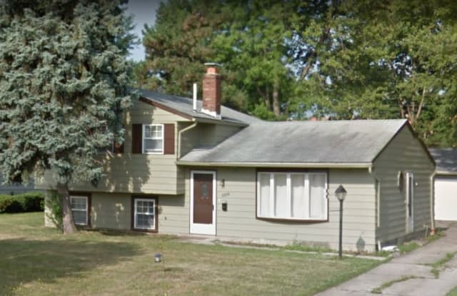 6306 Fry Ave - 6306 Fry Rd, Brook Park, OH 44142
