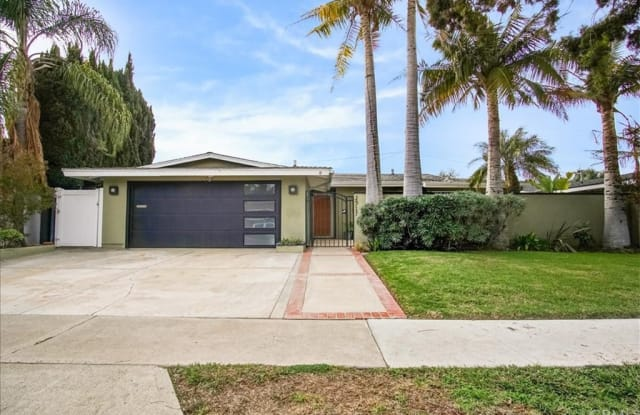2917 Royal Palm Drive - 2917 Royal Palm Drive, Costa Mesa, CA 92626