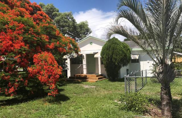 128 SW 5th St - 128 SW 5th St, Hallandale Beach, FL 33009