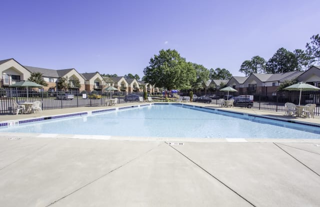 Forrest Pines - 14505 Old Courthouse Way, Newport News, VA 23608