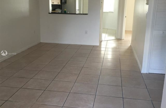 2910 SE 13th Ave - 2910 Southeast 13th Road, Homestead, FL 33035