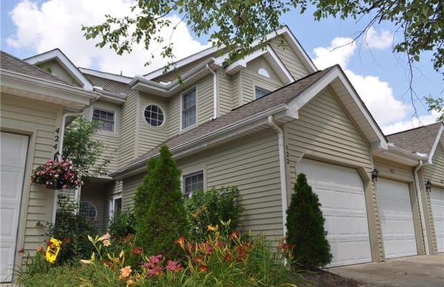 422 Eagle Trace - 422 Eagle Trace, Mayfield Heights, OH 44124