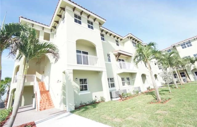 260 NW 109th Ave Apt 202 - 260 Northwest 109th Avenue, Fountainebleau, FL 33172