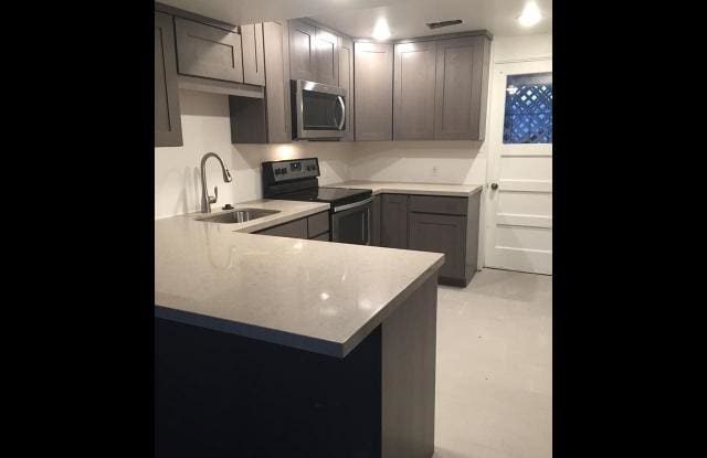 7115 S 1700 E - 7115 1700 East, Cottonwood Heights, UT 84121
