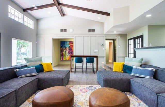 Solara Apartments - 11710 Parliament St, San Antonio, TX 78213