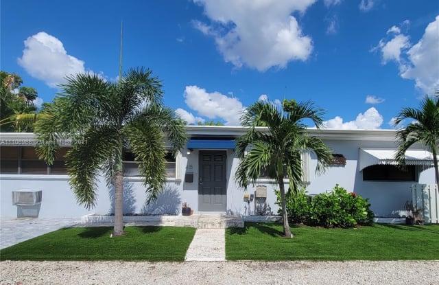 415 NE 15th St - 415 Northeast 15th Street, Fort Lauderdale, FL 33304