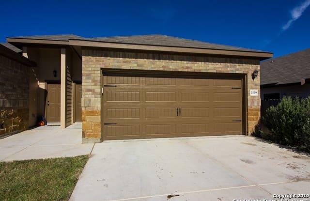 2524 Pahmeyer Rd - 2524 Pahmeyer Road, New Braunfels, TX 78130