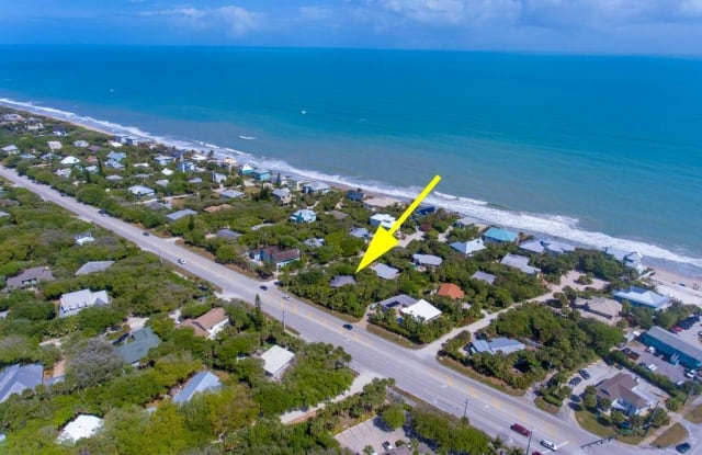 1881 E Barefoot Place - 1881 East Barefoot Place, Wabasso Beach, FL 32963