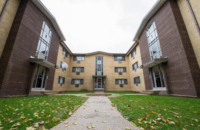7901 S Dobson - 7901 S Dobson Ave, Chicago, IL 60619