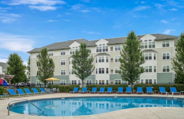 Union Place Apartments - 10 Independence Way, Franklin, MA 02038