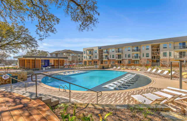 The Scenic at River East - 999 Scenic Hill Dr, Fort Worth, TX 76111
