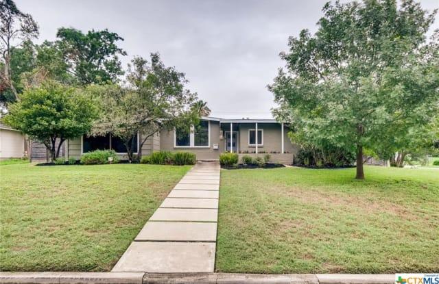 921 Ivy Lane - 921 Ivy Lane, Terrell Hills, TX 78209