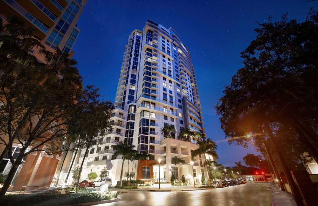 Laureat - 790 East Broward Boulevard, Fort Lauderdale, FL 33301