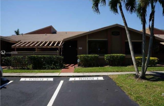 459 Lakeview Dr - 459 Lakeview Drive, Weston, FL 33326