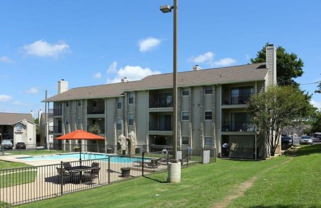 Salado at Walnut Creek Apartments - 2104 E Anderson Ln, Austin, TX 78752
