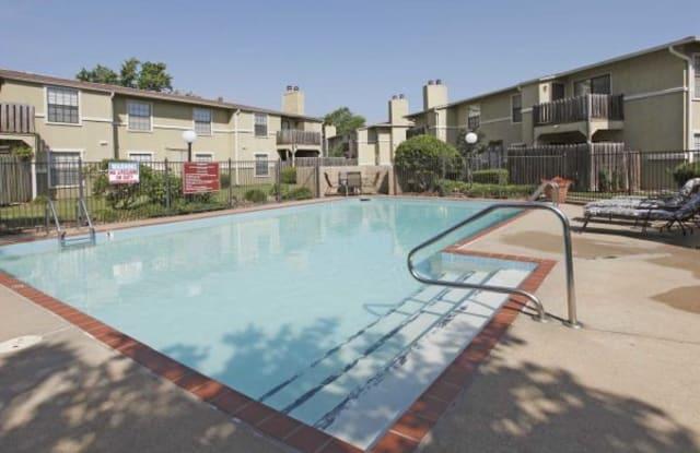 Foxglen - 8100 Cantrell Rd, Little Rock, AR 72227