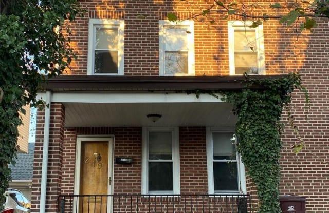 219 W 35TH STREET - 219 West 35th Street, Wilmington, DE 19802
