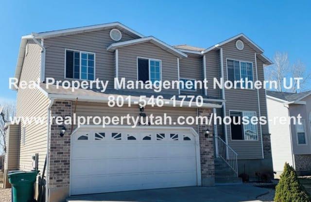 5559 S. 3275 W. - 5559 South 3275 West, Roy, UT 84067
