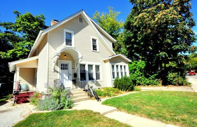921 W Sylvan - 921 Sylvan Ave, Ann Arbor, MI 48104