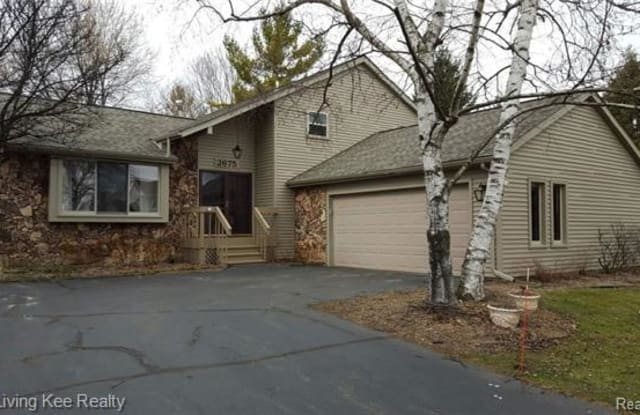 2675 BROWNING Drive - 2675 Browning Drive, Oakland County, MI 48360