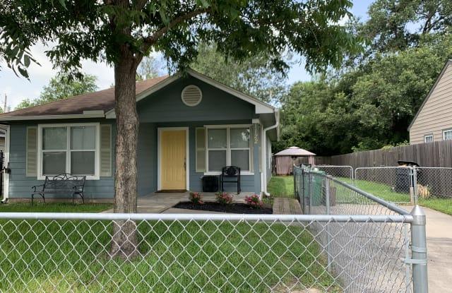 1122 Woolworth Street - 1122 Woolworth Street, Houston, TX 77020