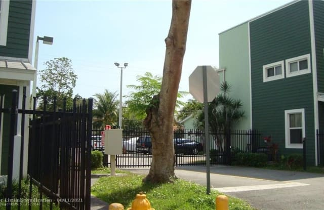 7821 NW 1ST AVE - 7821 NW 1st Ave, Miami, FL 33150