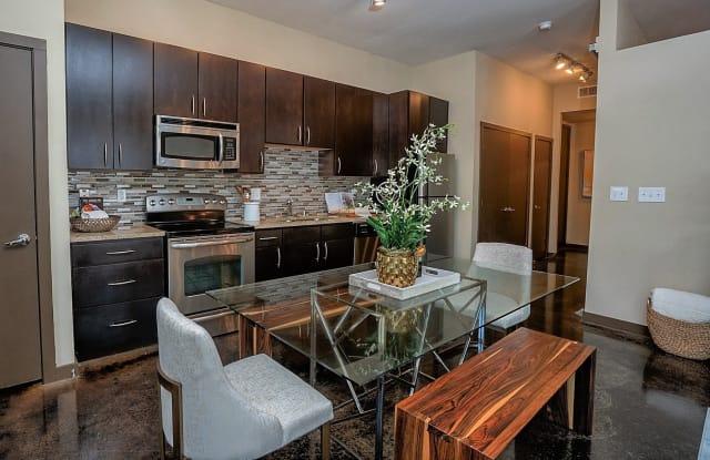 The Henderson - 5215 Belmont Ave, Dallas, TX 75206