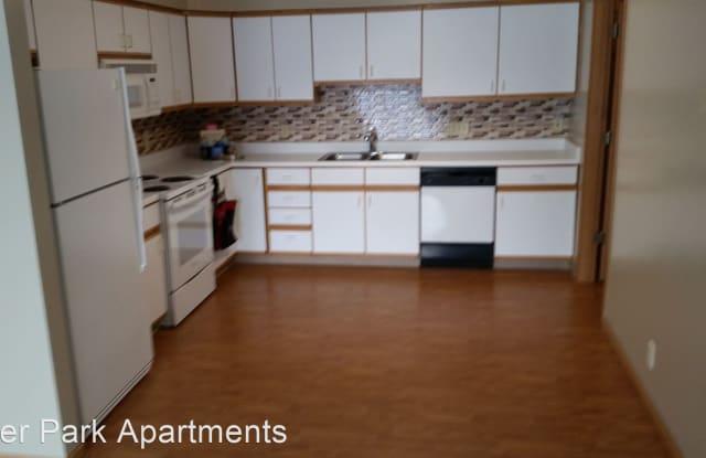 Deer Park Apartments - 4231 N 7th St, Lincoln, NE 68521