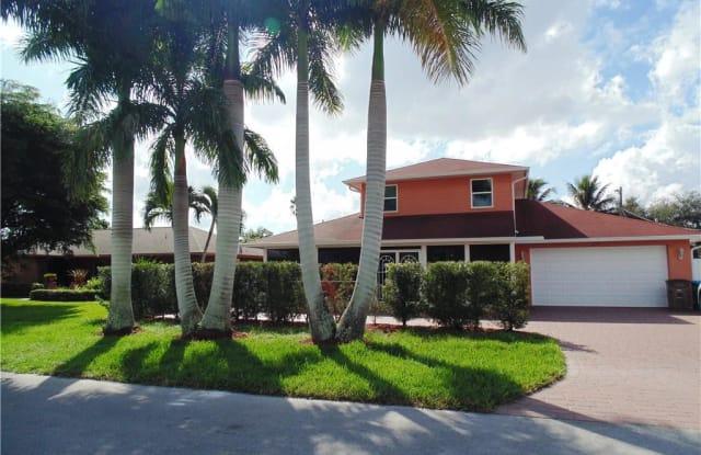 1120 SE 33 TER - 1120 Southeast 33rd Terrace, Cape Coral, FL 33904