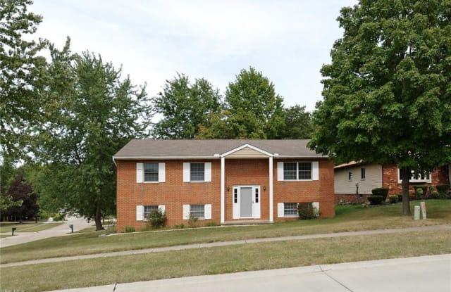 9817 Huntington Park Dr - 9817 Huntington Park Drive, Strongsville, OH 44136