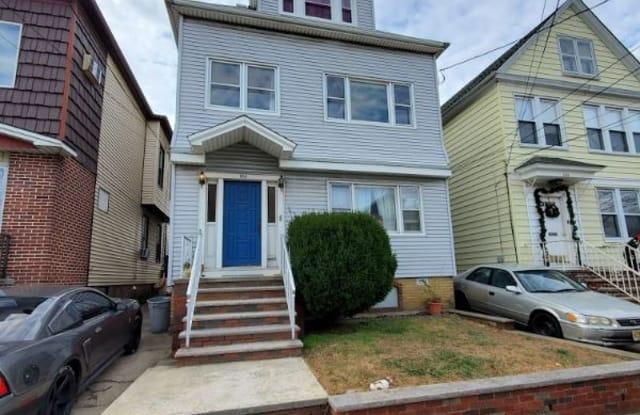 182 west 31 Street 3 - 182 West 31st Street, Bayonne, NJ 07002