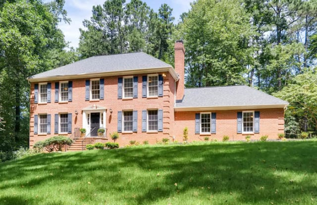 1095 Willow Bend - 1095 Willow Bnd, Roswell, GA 30075