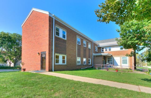 527 Monona Street, Unit 103 - 527 Monona Street, Boone, IA 50036