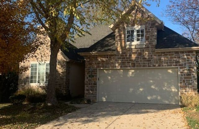1011 S. Carriage Ct - 1011 South Carriage Court, Springfield, MO 65809