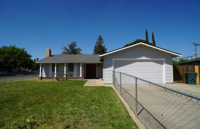 3905 Thornhill Drive - 3905 Thornhill Drive, Rosemont, CA 95826