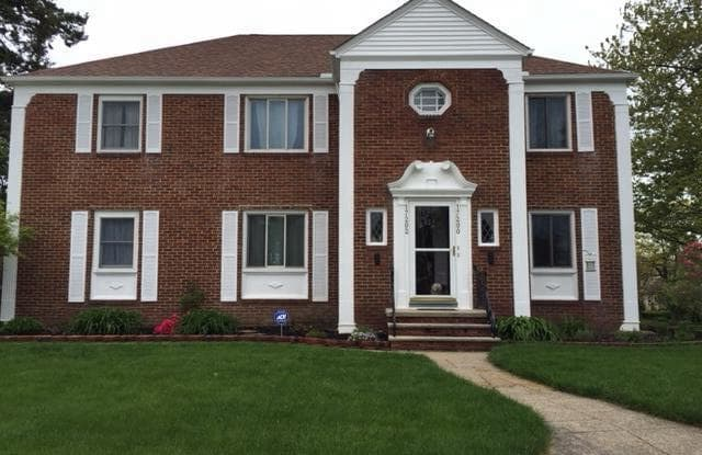 17202 Hilliard Road - 17202 Hilliard Road, Lakewood, OH 44107
