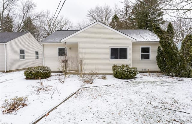 5649 Burns Rd - 5649 Burns Road, North Olmsted, OH 44070