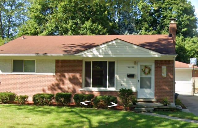 24033 Thomas St - 24033 Thomas Street, Warren, MI 48091