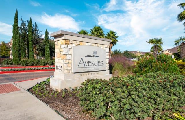 Avenues at Tuscan Lakes - 1805 S Egret Bay Blvd, League City, TX 77573