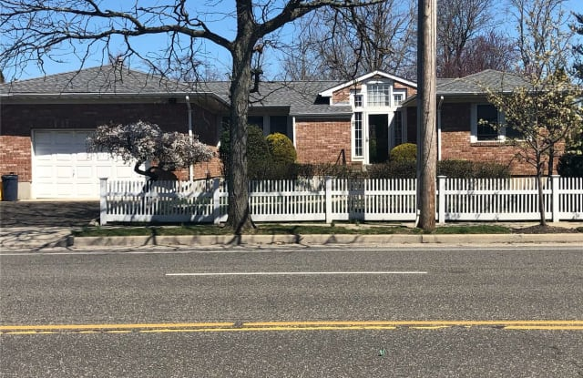 206 Central Avenue - 206 Central Avenue, Bethpage, NY 11714