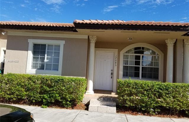 17045 SW 137th Pl - 17045 Southwest 137th Place, Richmond West, FL 33177