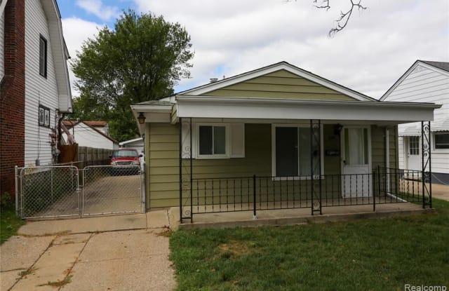300 S Edgeworth Ave - 300 South Edgeworth Avenue, Royal Oak, MI 48067