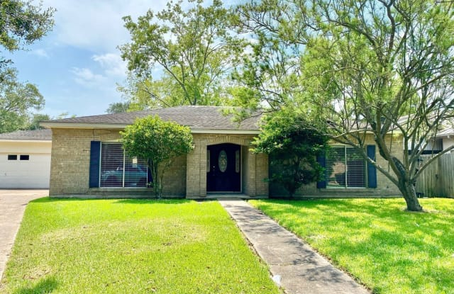 5845 Woodway Dr. - 5845 Woodway Drive, Beaumont, TX 77707