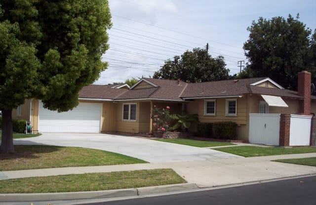 2736 ROWLAND CIRCLE - 2736 W Rowland Cir, Anaheim, CA 92804