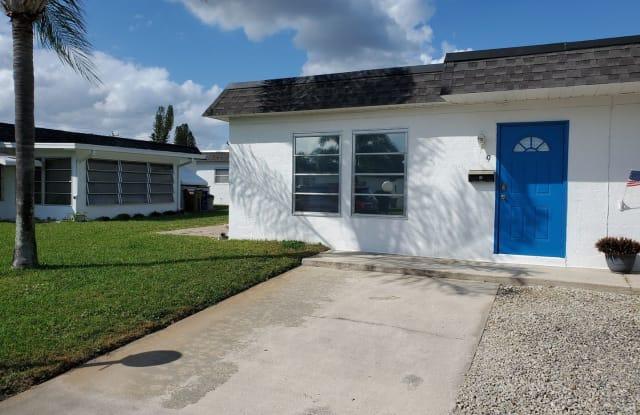 9 Temple Ct - 9 Temple Court, Lehigh Acres, FL 33936