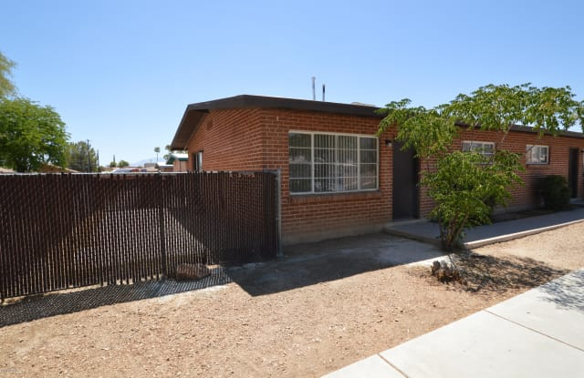 4333 E Bellevue Street - 4333 East Bellevue Street, Tucson, AZ 85712