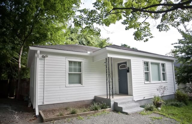 102 Caldwell St - 102 Caldwell Street, Chapel Hill, NC 27516