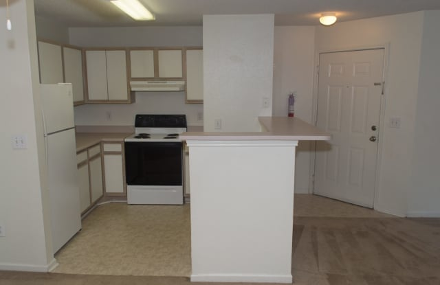 Hillside Place - 2050 Edgeview Way, Knoxville, TN 37918