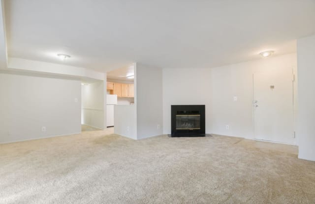 Heather Hill - 5837 Fisher Rd, Temple Hills, MD 20748